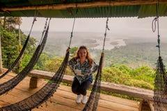 Blondynki kobiety Zauważająca część Amazonian basen Obrazy Royalty Free