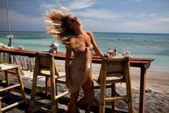 blondynki prętowa dziewczyna Obrazy Royalty Free