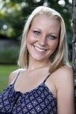 blondynki uśmiechnięci kobiety potomstwa fotografia royalty free