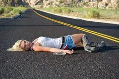 blondyny pijąca autostrada fotografia stock