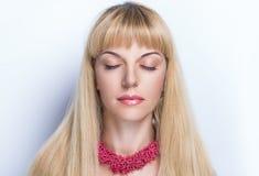 Blont hår för kvinna Fotografering för Bildbyråer