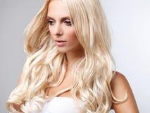Blont hår. Högkvalitativt avbilda. royaltyfria foton
