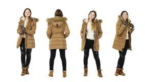 Blont lag för kvinnaklänninghöst, full längdstående som isoleras på royaltyfria foton