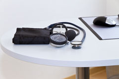 Blood pressure gauge and stethoscope Royalty Free Stock Photography