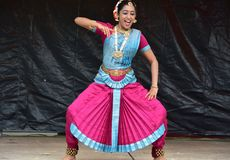 Bloomington, Иллинойс - США - июнь 24,2018 - индийское классическое представление танца Стоковые Фото