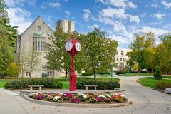 Indiana University Landmark Campus Clock. BLOOMINGTON, IN/USA - OCTOBER 22, 2017: Landmark campus clock and logo on the campus of the University of Indiana Stock Image