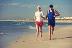 Blootvoetse strandlooppas Royalty-vrije Stock Foto