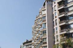 Bloque de apartamentos concreto Barcelona, España Imagenes de archivo