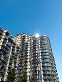 Bloque de apartamentos moderno en Canary Wharf, Londres Imagen de archivo