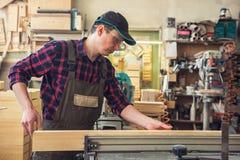 Bloque de madera previsto carpintero fotos de archivo