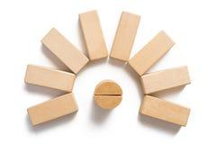 Bloque de madera que apila como paso circular fotos de archivo libres de regalías