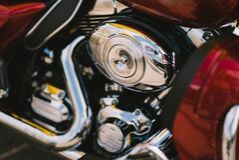 Bloque de motor brillante de la motocicleta del cromo Foto de archivo libre de regalías