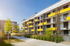 Bloque de viviendas moderno Foto de archivo libre de regalías