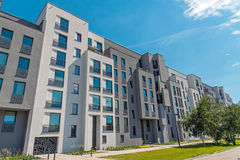 Bloque de viviendas moderno en Berlín Imagen de archivo