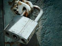 Bloqueo de acero oxidado Foto de archivo libre de regalías