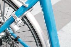 Bloqueo de la bicicleta Foto de archivo libre de regalías