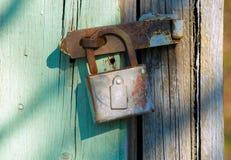 Bloqueo oxidado viejo Foto de archivo
