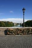 Bloqueos del amor en Roma Imagenes de archivo
