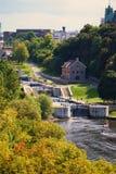 Bloqueos en el río de Ottawa fotografía de archivo