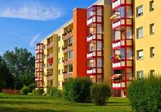 Bloques de apartamentos de Grossraeschen Foto de archivo libre de regalías