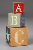 Bloques de madera con las cartas del ABC Foto de archivo libre de regalías