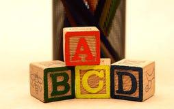 Bloques de palabra de ABCD - concepto de la educación escolar Fotos de archivo