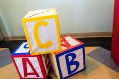 Bloques del ` un s de los niños de B C imágenes de archivo libres de regalías