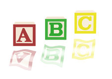 Bloques e imágenes del alfabeto del ABC ilustración del vector