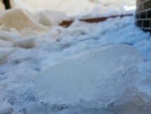 Bloques hermosos y peligrosos de hielo fotos de archivo
