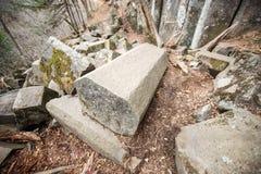 Bloques pentagonales naturales que sorprenden de piedras fotos de archivo libres de regalías