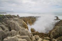 Blowhole από τους βράχους τηγανιτών στοκ φωτογραφία