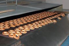 Blozende ongezuurde broodjes van de oven. Royalty-vrije Stock Afbeeldingen