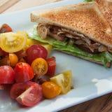 BLT avec de la salade de tomate Photo libre de droits