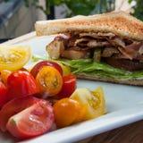 BLT avec de la salade de tomate Image stock