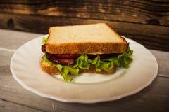 Blt-sendwich mit Ei Lizenzfreies Stockfoto