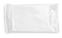 Blöta wipespacken med klaffen på vit Arkivbild