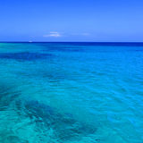 blått medelhavs- hav Royaltyfri Foto