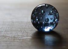 Blu della sfera di Crystal Glass Immagini Stock