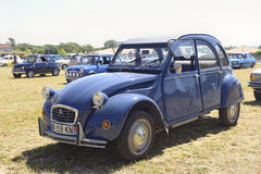 Blu di Citroen 2CV Immagine Stock