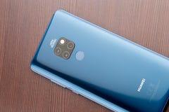 Blu di mezzanotte del compagno 20 di Huawei fotografia stock