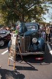 Blu Ford Model 1936 68 Tudor Deluxe al Car Show classico del trentaduesimo deposito annuale di Napoli fotografia stock libera da diritti