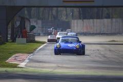Blu uitstekende raceauto Stock Afbeeldingen