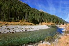 Bluastro - acqua trasparente verde Fotografia Stock Libera da Diritti
