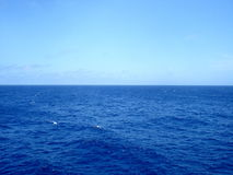 Blue Atlantic Ocean and sky - Атлантичес Royalty Free Stock Photography