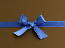 Blue Bow Gift Royalty Free Stock Photography