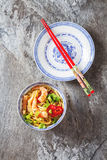 Blue ceramic cup noodles with vegetables, shrimps, green onions Stock Photography