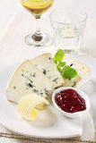 Blue cheese and fruit preserve Stock Photography
