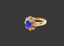Blue Diamond Gold Ring with Clipping Path Royalty Free Stock Photos