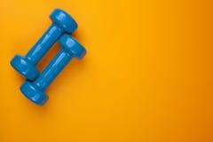 Blue dumbells Royalty Free Stock Photos