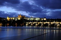 Blue hour at the charles bridge and the prague castle Royalty Free Stock Images
